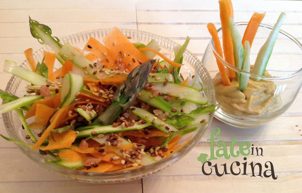 Healthy fast food insalata di asparagi e carote fit is - Pasti veloci da portare in ufficio ...